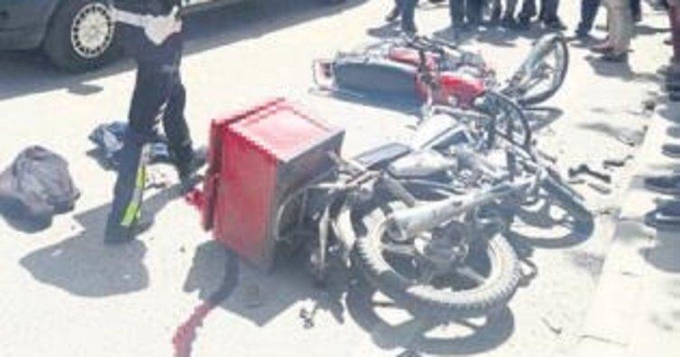 İki motosiklet birbirine girdi