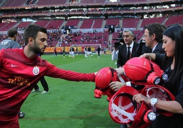 Galatasaraylı futbolcular madenci oldu