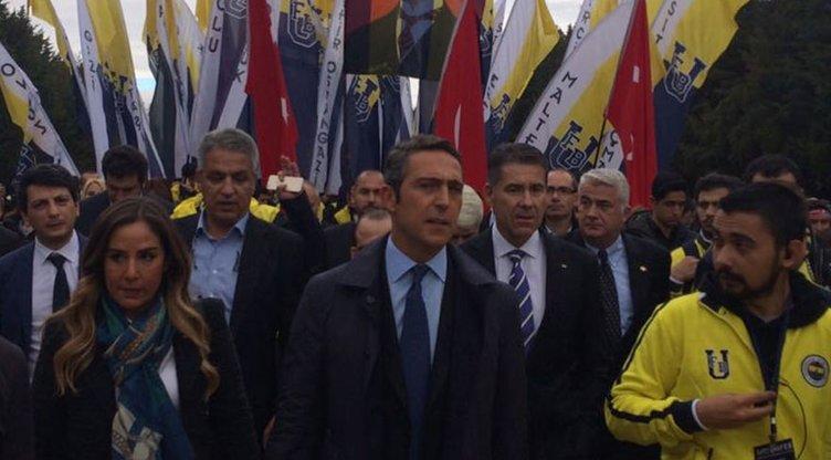 Ali Koç, Fenerbahçe taraftarı ile birlikte Anıtkabir'de