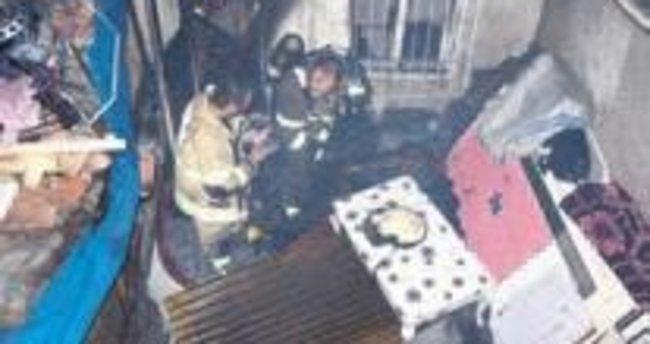 Konak'ta yanan evden kadın cesedi çıkarıldı