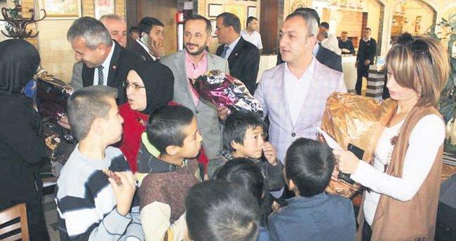 Türkmen çocukları unutulmadı