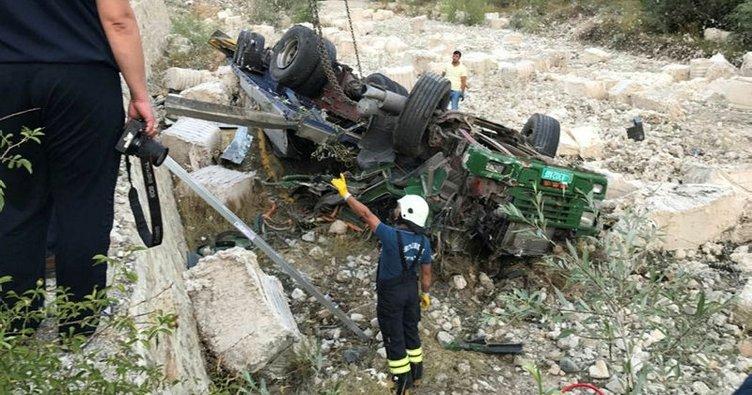 Erzurum'da trafik kazası: 3 ölü, 3 yaralı!