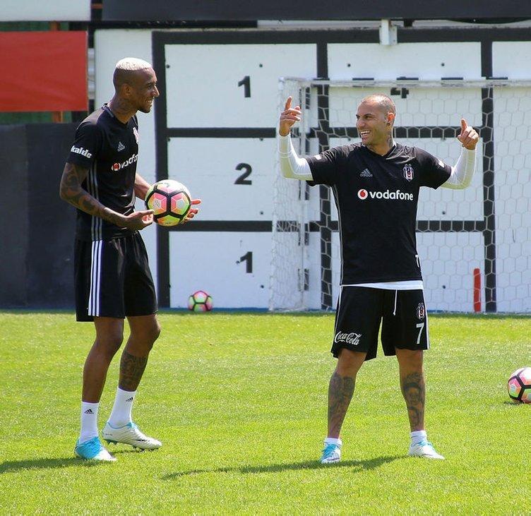 Beşiktaş'ta futbolculardan Talisca ve Quaresma'ya tepki
