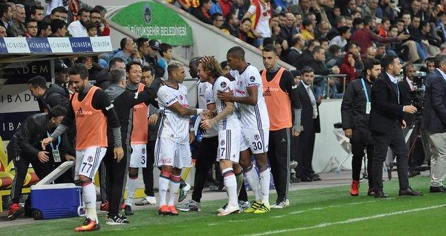 Napoli - Beşiktaş maçı ne zaman saat kaçta hangi kanalda şifreli mi?