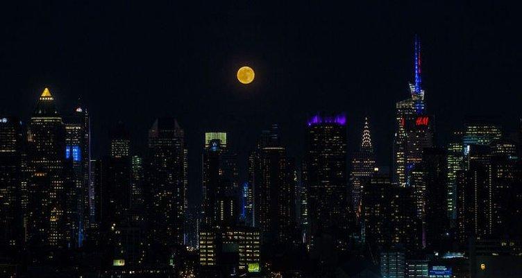 'Çilek Ay' görüldü