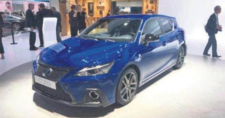 Lexus'dan hibrit şovu