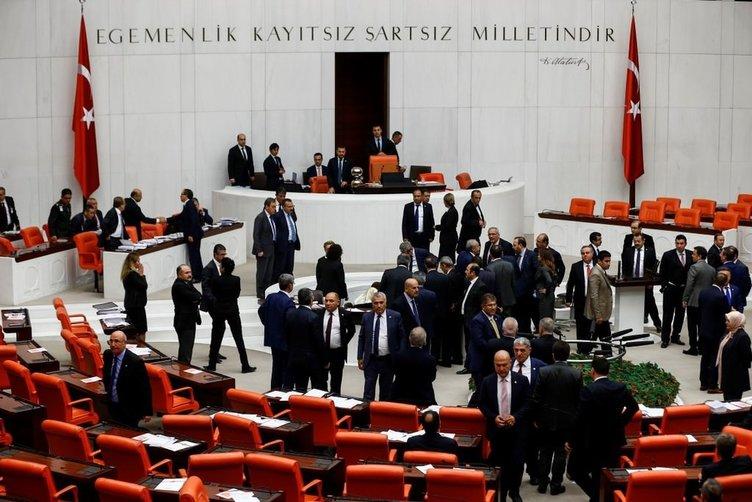Meclis'te stenograf bayıldı.