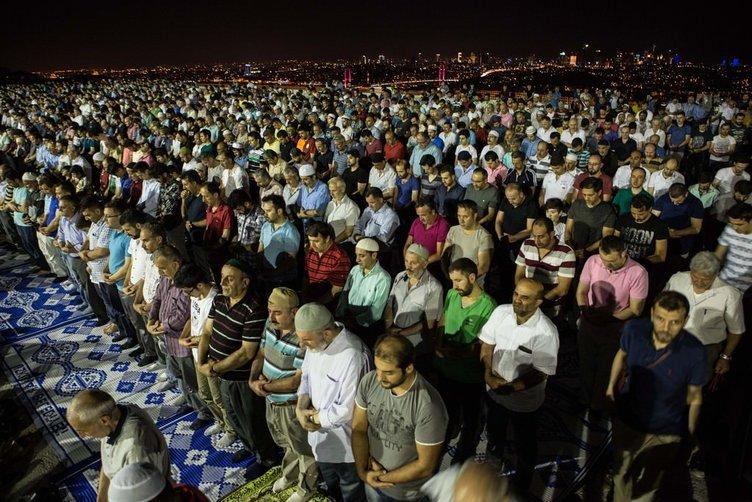 Çamlıca Camii'nde ilk namaz kılındı