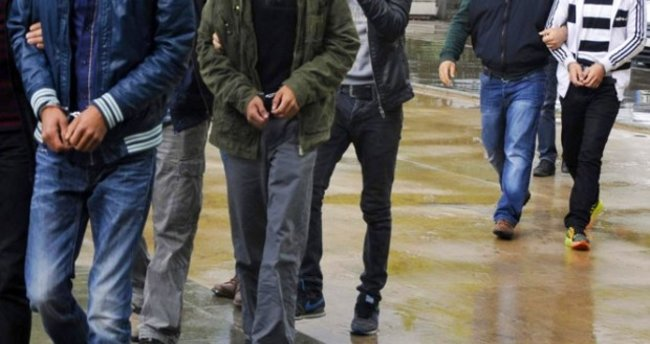 Balıkesir'de 20 asker gözaltına alındı