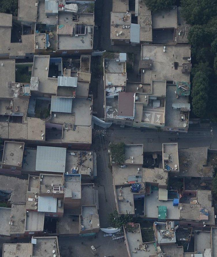 Sur'daki terör tahribatı havadan görüntülendi