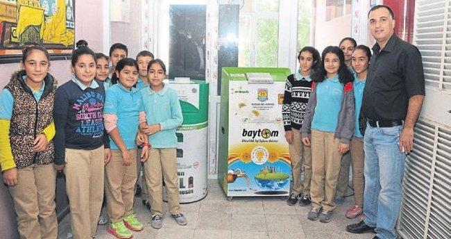 Okullara atık yağ ve pil toplama makinesi