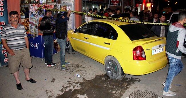 Kaldırıma çıkan ticari araç yayaları ezdi: 6 yaralı