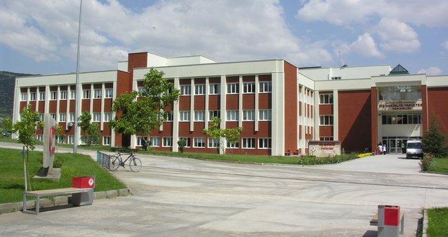 SDÜ'de 450 personel açığa alındı