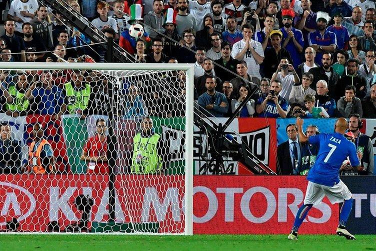 Zaza penaltıyı kaçırdı, alay konusu oldu!