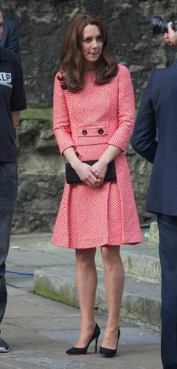 Kate Middleton sarayın başını çok ağrıttı
