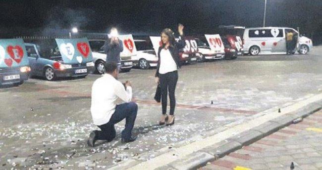 Evlilik teklifini Tofaş'larla yaptı