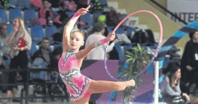Cimnastikte şölen başladı