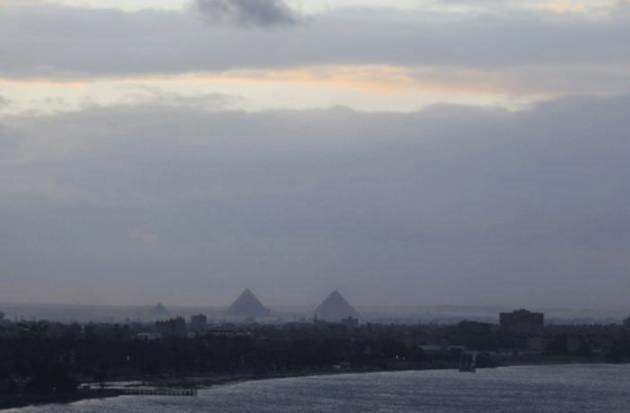 Mısır Piramitleri karlar altında