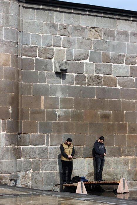 Kayseri'de ilginç cuma namazı!