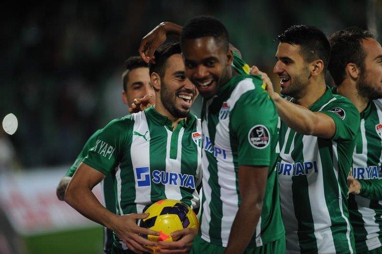 Bursaspor - Fenerbahçe maçının fotoğrafları