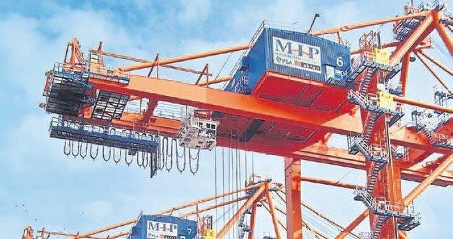 Mersin Limanı mega gemileri ağırlıyor