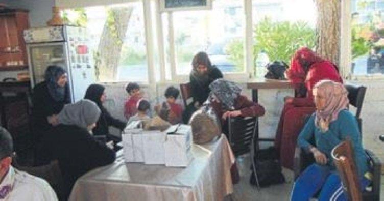 Göçmenler otelde yakayı ele verdi