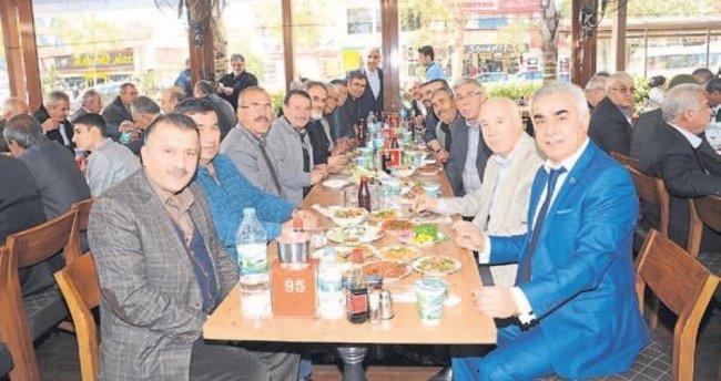 Asker arkadaşları Adana'da buluştu