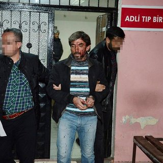 Adana'da bıçaklı kavga 1 ölü 2 yaralı