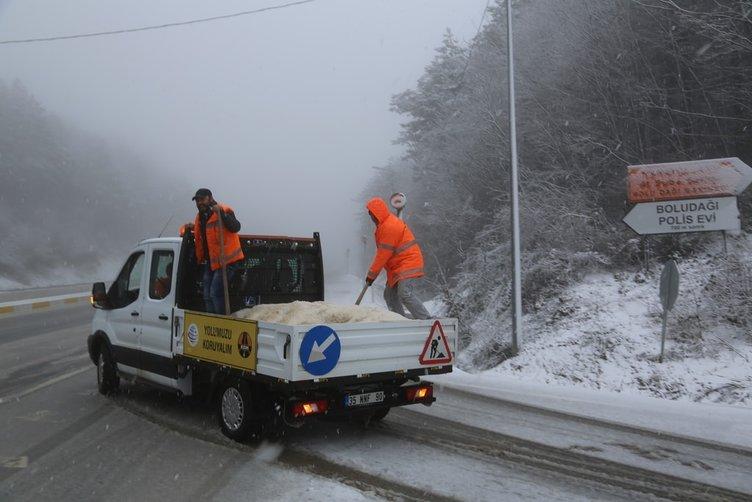 Bolu'da sürücülere kar sürprizi
