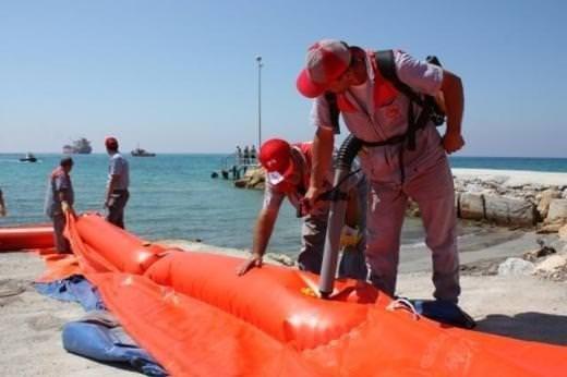KKTC'de 100 ton yakıt denize aktı