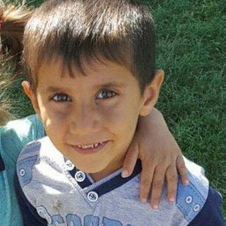 Kaydıraktan düşen çocuk öldü