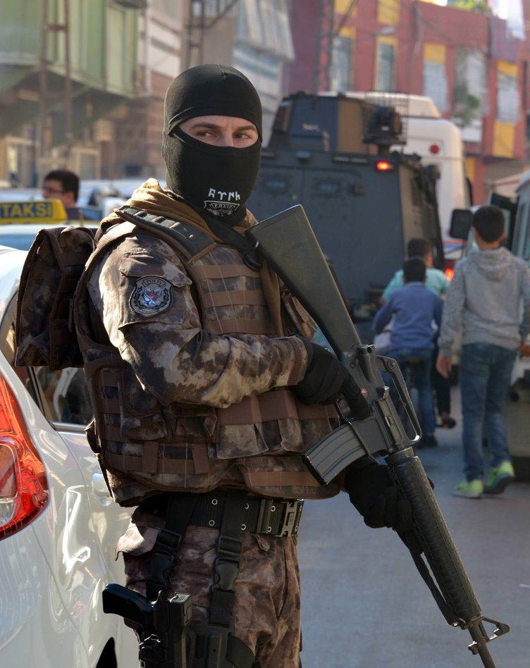 Adana'da 300 polisle dev uygulama