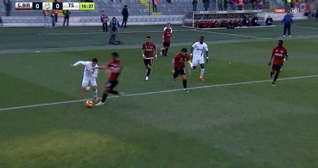 Trabzonzsporluları çıldırtan penaltı pozisyonu!