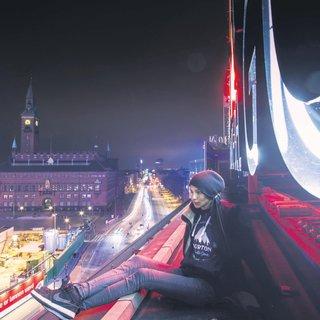 Şehirleri çatılardan keşfediyorlar