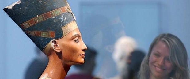 Nefertiti'nin mezarı bulundu