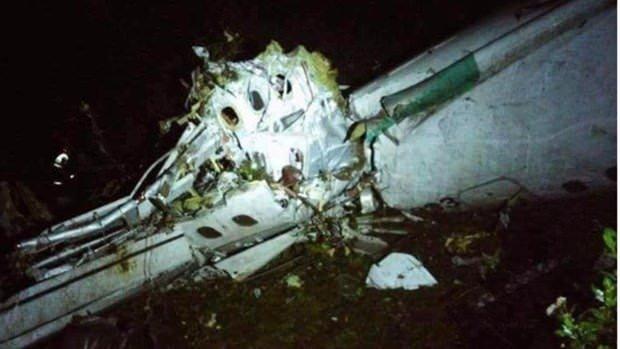 Uçak kazasından sağ kurtuldular