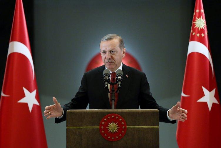 Cumhurbaşkanı Erdoğan, esnaf ve vatandaşlarla bir araya geldi