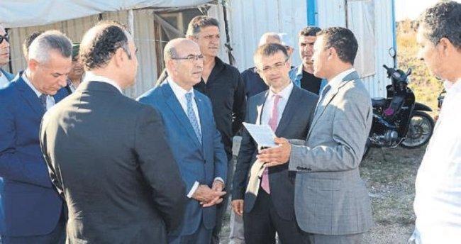 Vali Mahmut Demirtaş Karataş'ı ziyaret etti