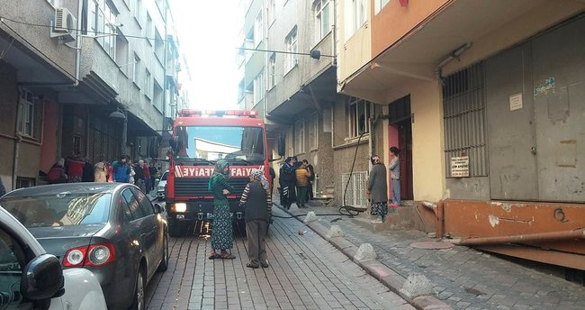 Zeytinburnu'nda yangın; yaşlı kadın hayatını kaybetti