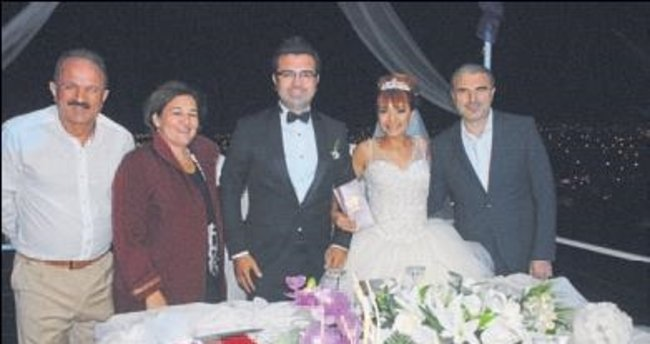 Başkan Behçet Saatcı nikah şahitliği yaptı