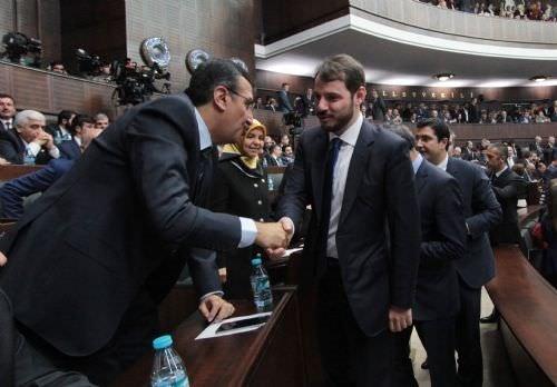 AK Parti grup toplantısında yeni bakanlara büyük ilgi