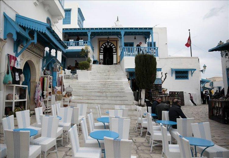 Tunus misafirlerini bekliyor