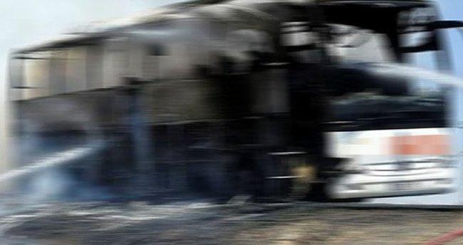 TEM Otoyolu'nda yolcu otobüsü yandı