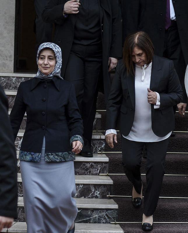 Sare Davutoğlu'ndan Selvi Kılıçdaroğlu'na taziye ziyareti