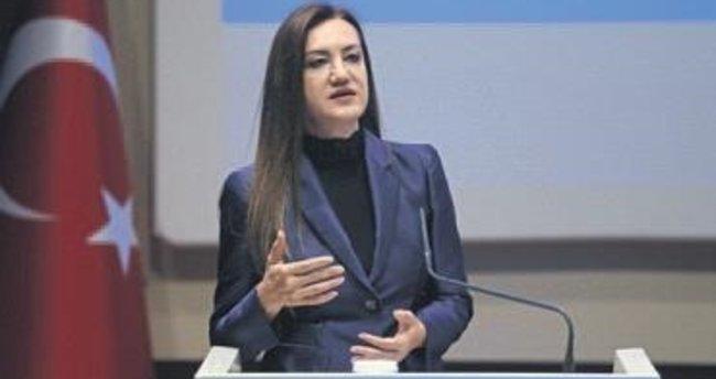 AK Parti İzmir'de akademi heyecanı