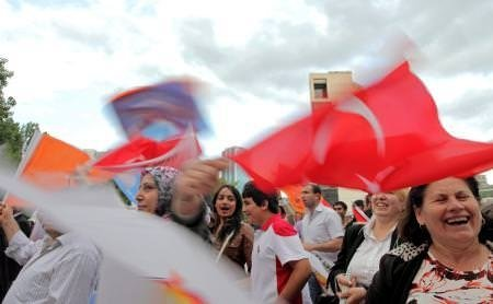 AKP'nin seçim zaferi dünya ajanslarında