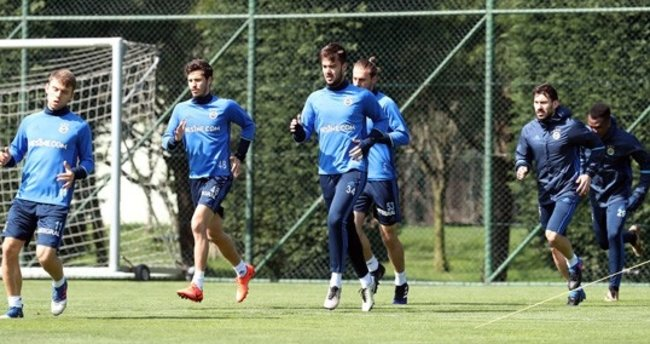 Fenerbahçe'de Karabükspor hazırlıkları başladı