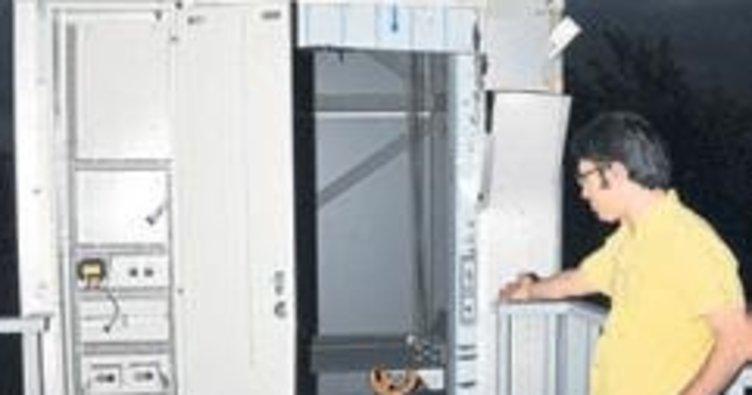 Hırsızlara karşı şeffaf asansör