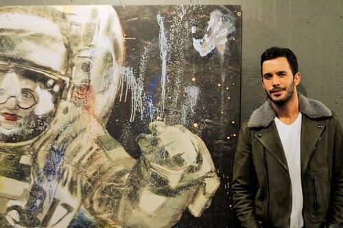 Can Bonomo ilk resim sergisini açtı
