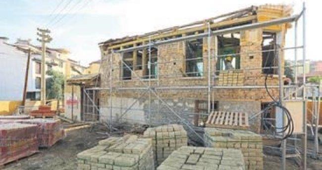 Tarihi yapı aslına uygun restore edilecek